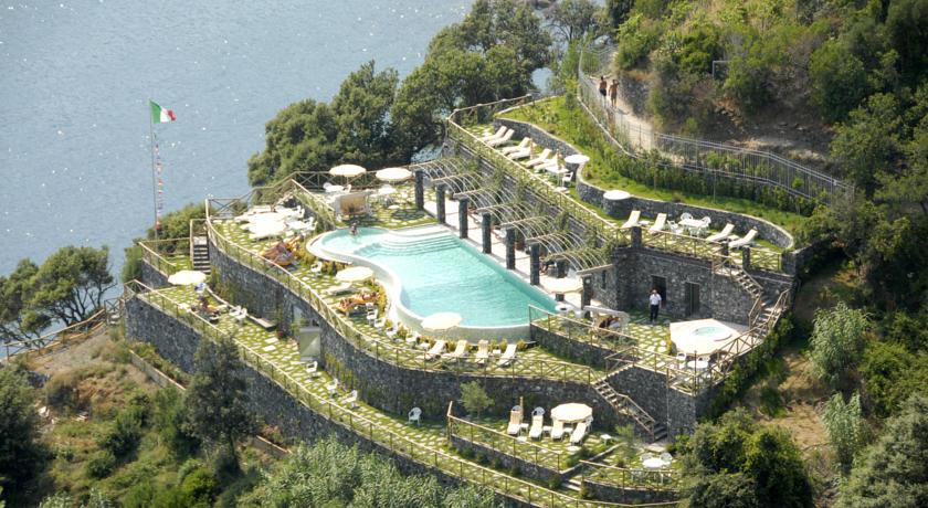 cinque terre hotels