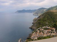 Riomaggiore - Panoramic view on the coast of Cinque Terre, 1024x768, 0.12 MB