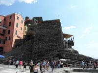 Vernazza - Belforte Tower and Castle, 4320x3240, 1.33 MB