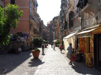 Vernazza - The main street, 4320x3240, 1.74 MB