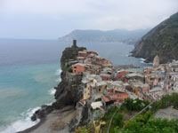 Vernazza - Vernazza and Castle Doria, 4320x3240, 1.36 MB
